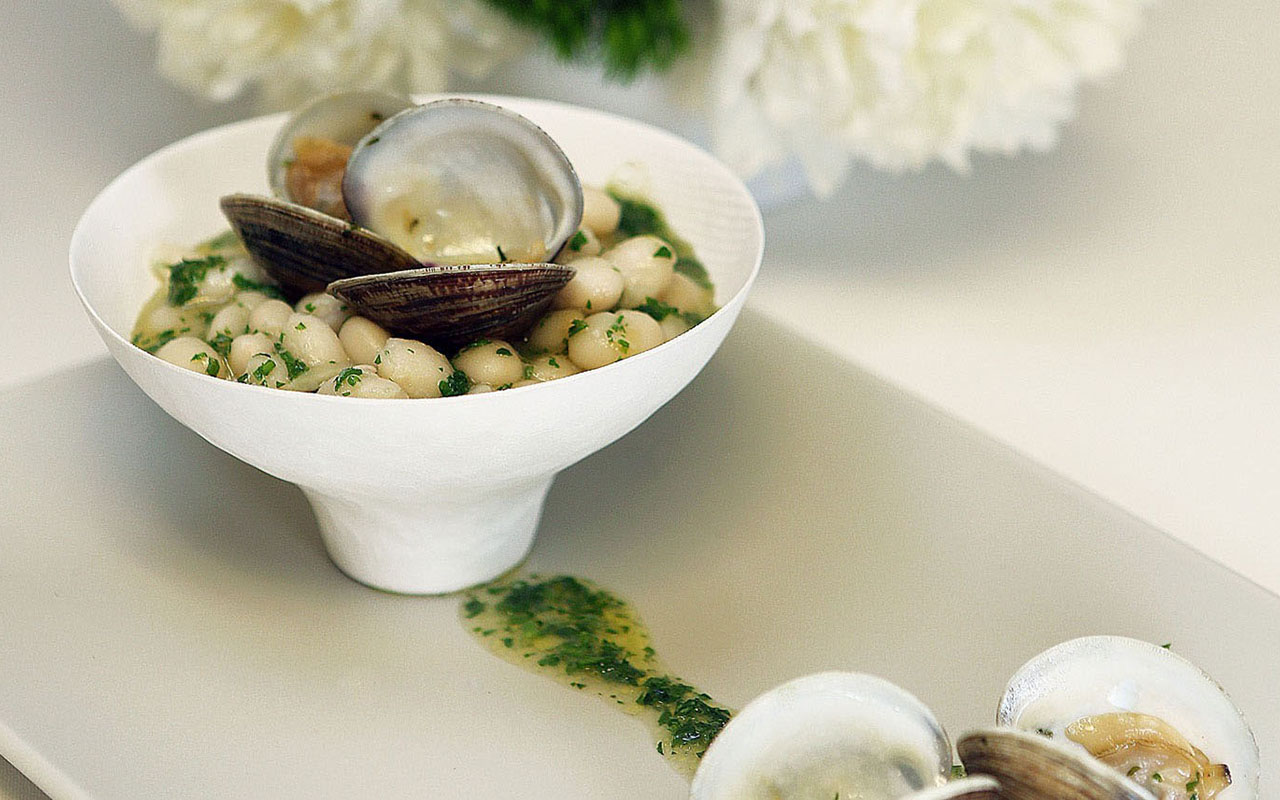 White Bean and Little Neck Clam Stew